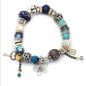 Blue bead flower bracelet